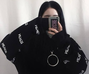 ulzzang, korean, and aesthetic image