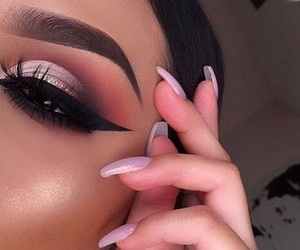 brows on fleek, makeup on everything, and cut crease maximum level image