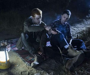 shameless, gallavich, and gallagher image