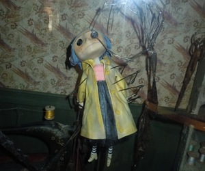 coraline and doll image