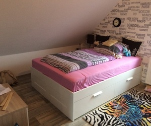 bed, bedroom, and Bett image