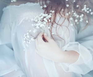 aesthetic, underwater, and white dress image