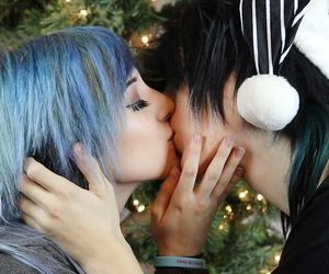 couple kiss, johnnie guilbert, and emo boy image