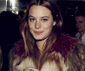 model and camille rowe image