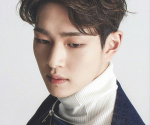 kpop, Onew, and 이진기 image