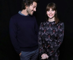 diego luna, Felicity Jones, and rogue one image