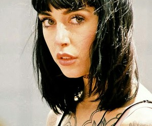 model, tattoo, and hannah snowdon image