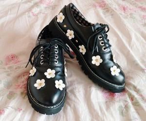 grunge shoes image