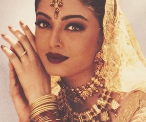 india, bollywood, and indian image