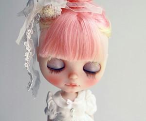 boneca, doll, and blythe dolls image
