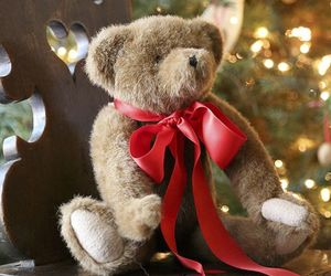 christmas, red bow, and teddy bear image