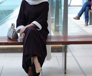 high heels, hijab, and müslimah image