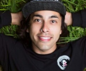 bands, icon, and vic fuentes image