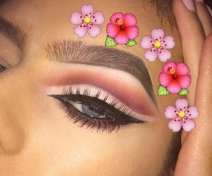 beauty queens, nails beauty, and fleeky eyebrows image