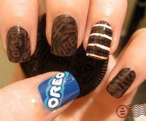 nails and oreo image