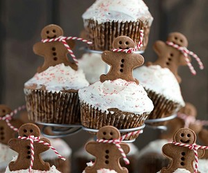 christmas, gingerbread, and cupcakes image
