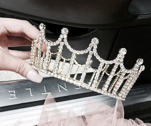 crown, Queen, and luxury image