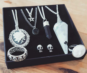 gift, gothic, and jewellery image