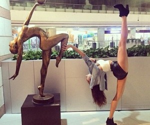 girl, ballet, and flexibility image