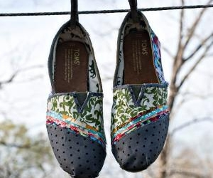 fashion, shoes, and toms image