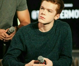 shameless, cameron monaghan, and actor image