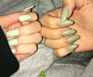 nails and kylie jenner image