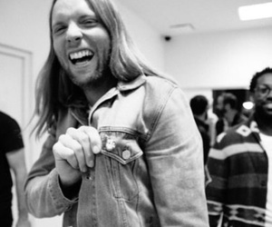 maroon 5 and james valentine image