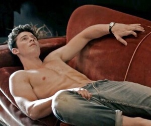 body, shawn, and shawn mendes image