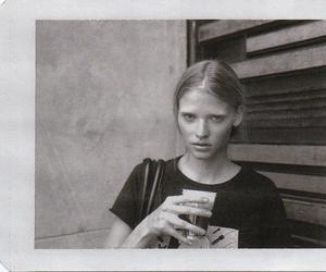 Lara Stone, black and white, and model image