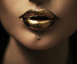 gold and lips image