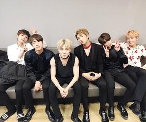 boys, korean, and v image