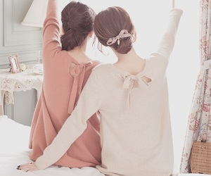 girl, friends, and ulzzang image