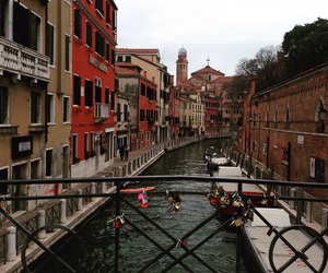 bridge, love padlocks, and venezia image