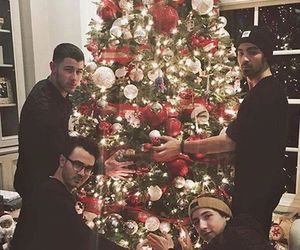 Joe Jonas, jonas brothers, and nick jonas image