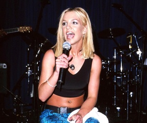 2000, oops i did it again, and britney spears image