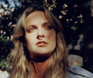 tove lo, beautiful, and celebrity image