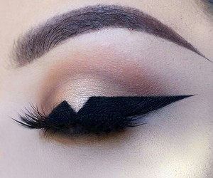 eyeliner, pretty, and makeup image