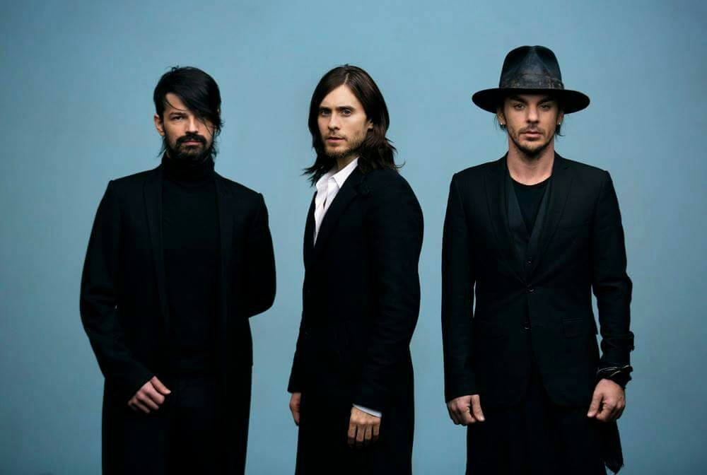 wallpaper, up in the air, and 30 seconds to mars image