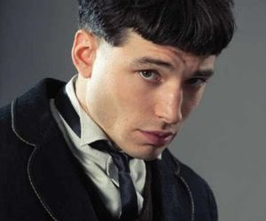 ezra miller and credence barebone image