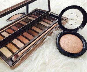 make up and naked pallet image