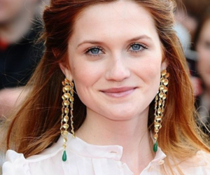 bonnie wright, harry potter, and ginny image