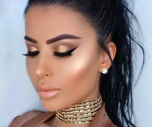 beautiful girl, gold makeup, and fall-winter makeup idea image