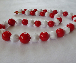 beaded necklace, jewelry, and red necklace image