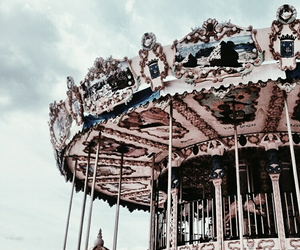 carousel and travel image