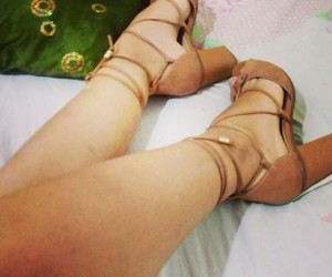 beautiful, shoes, and tumblr girl image