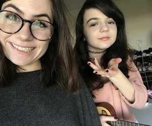 dodie clark, doddleoddle, and youtube image