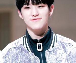 kpop, Seventeen, and soonyoung image