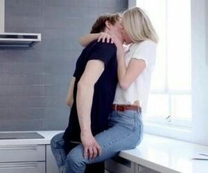 skam, couple, and kiss image