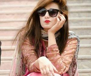 dp . girl image
