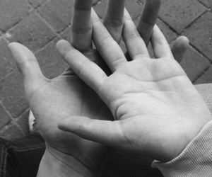 hands, ulzzang, and korean couple image